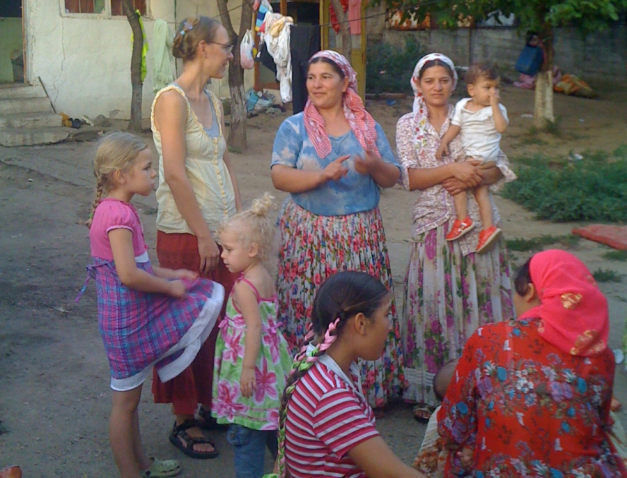 Jessie and the girls talking with some of the Gypsy women