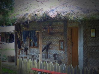 Homes constructed in this style and with these materials can still be found in many parts the country.